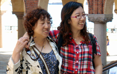 Two japanese women at Stockholm City Hall